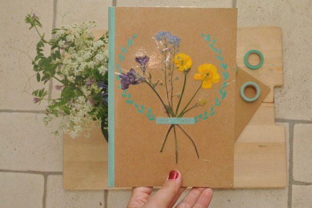 dit-carnet-fleurs-sechees