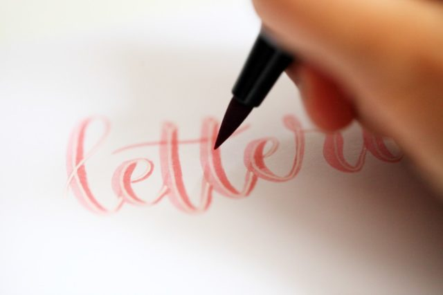 essayer_lettering_creatif_conseils
